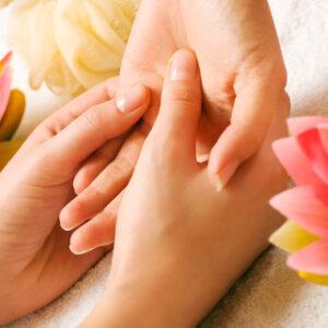 Ręce gabinecie masażu w bielsku-białej